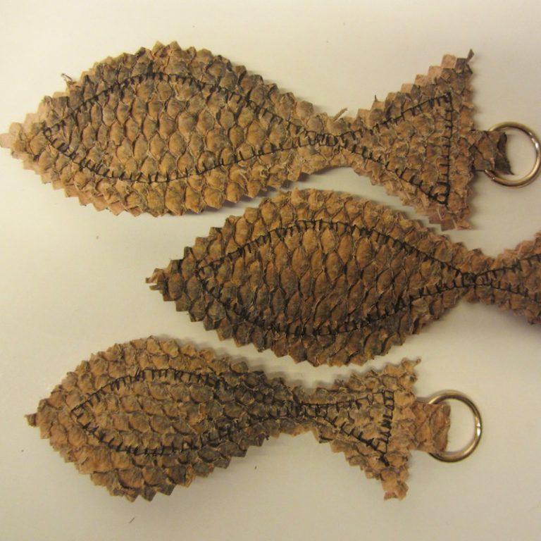 Nyckelringar i fiskskinn
